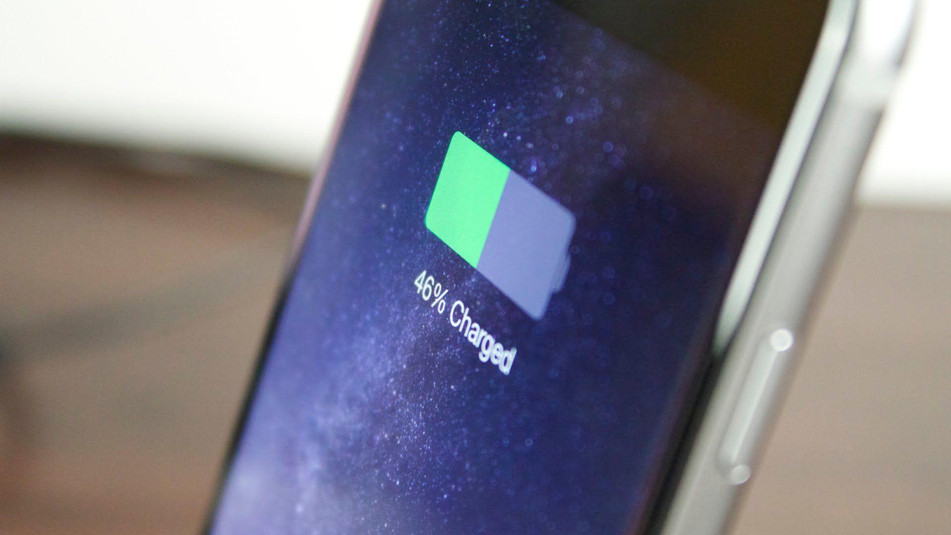 IPhone разряжается понескольким причинам— специалисты