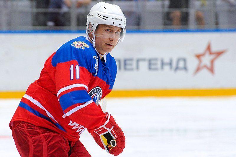 Стал известен счёт, скоторым команда В. Путина одолела вхоккейном матче