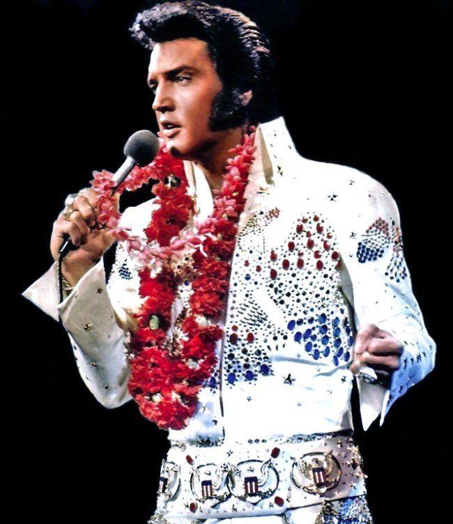 Легендарная бриллиантовая подкова Элвиса Пресли ушла смолотка