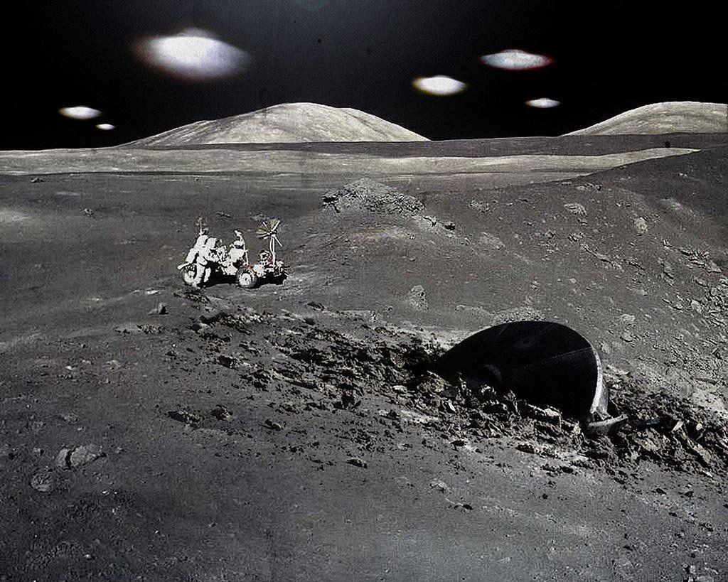 Уфологи засекли немалый черный НЛО наЛуне