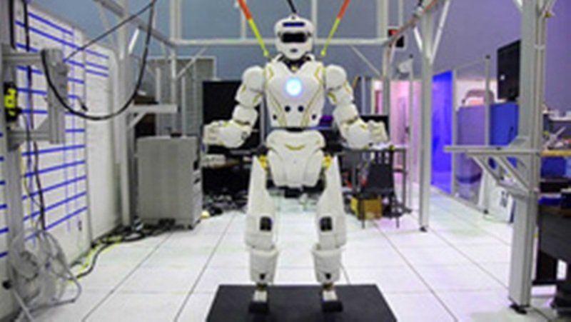 NASA опубликовало видео с марсианским роботом в действии