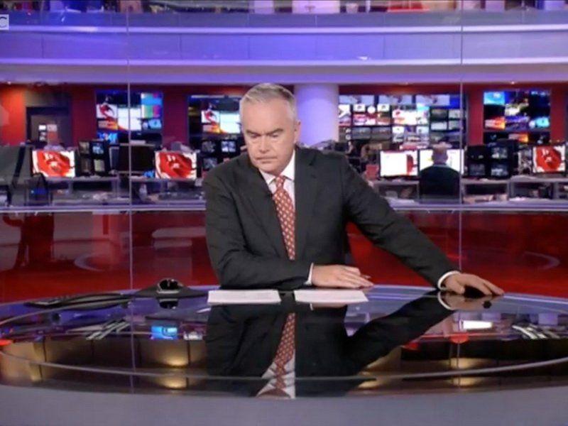 Телевизионный ведущий насмешил граждан Великобритании задумчивым молчанием впрямом эфире