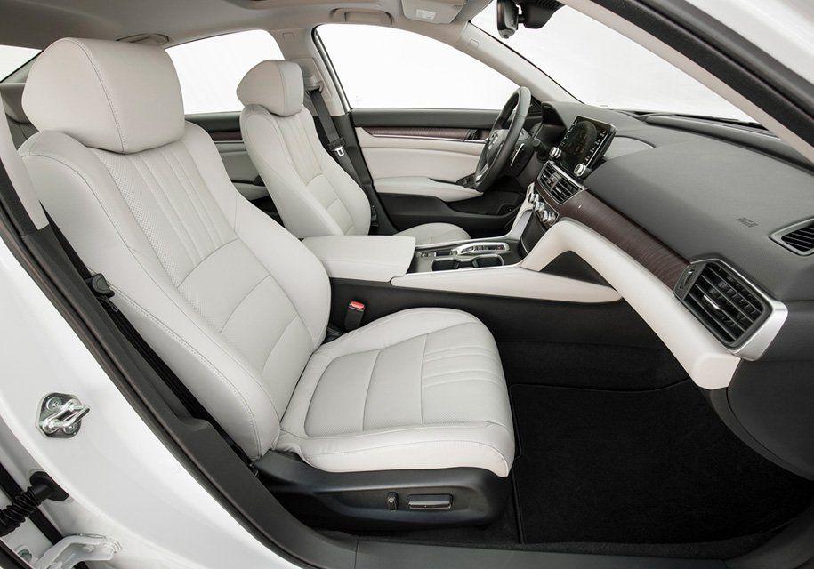 Хонда представила новый Accord сочень покатой крышей