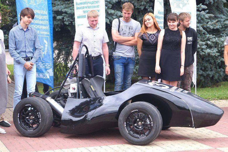 Команда Shukhov Racing Team презентовала новый гоночный болид