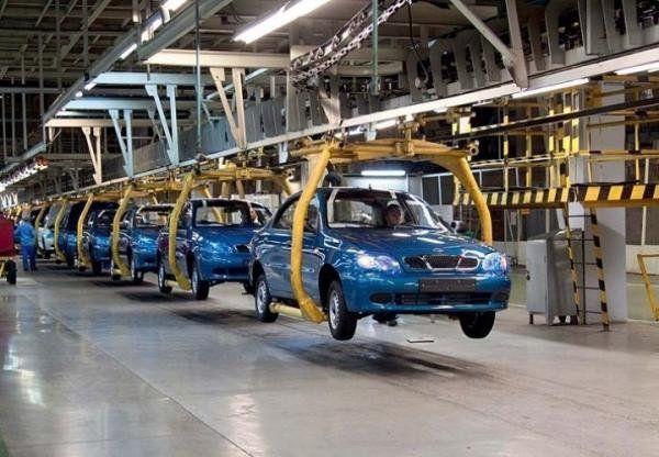 Производство легковых авто в Российской Федерации выросло на20,7%