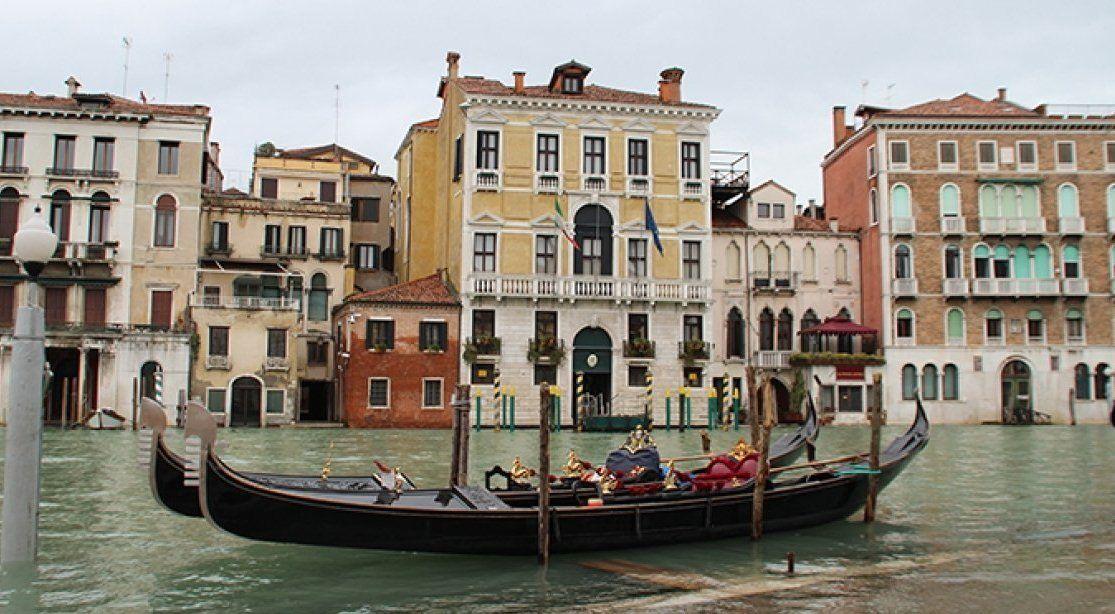 ВВенеции ужесточили штраф для полуголых туристов