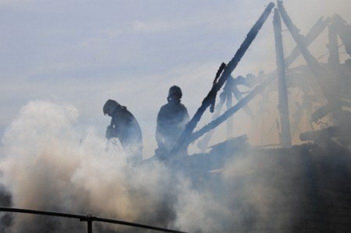 ВСаратове огонь уничтожил гараж савтомобилем