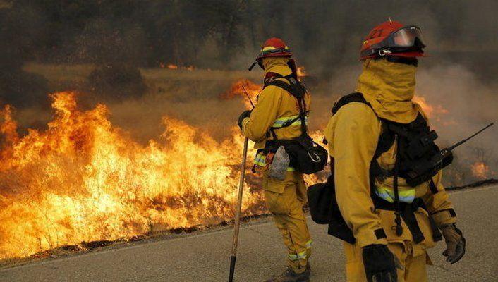 ВКалифорнии нахимическом заводе произошел пожар