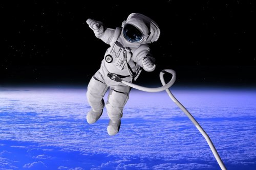 ВСВАО покажут прямую трансляцию выхода воткрытый космос