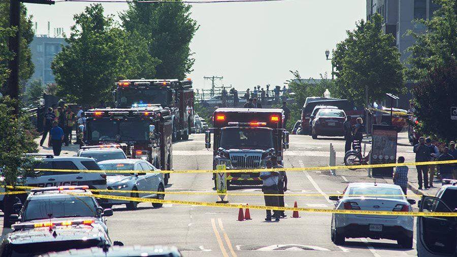 ВКалифорнии полицейские убили мужчину, который забаррикадировался вшколе