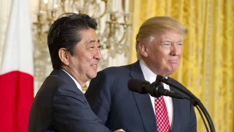 Абэ объявил оготовности Японии расширять санкции для КНДР