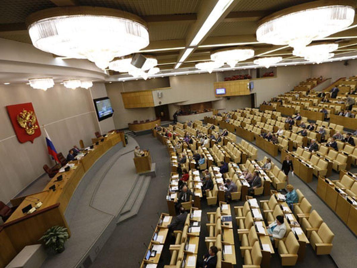 Вячеслав Володин и Павел Крашенинников внесли в Госдуму законопроект, расширяющий возможности использования герба РФ