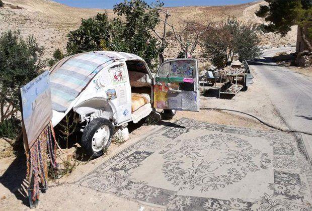 Пенсионер открыл отель встаром «Жуке» среди пустыни