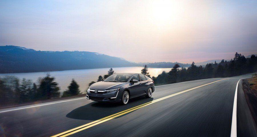 Гибридный седан Хонда Clarity Plug-in Hybrid оценили в33 400 долларов