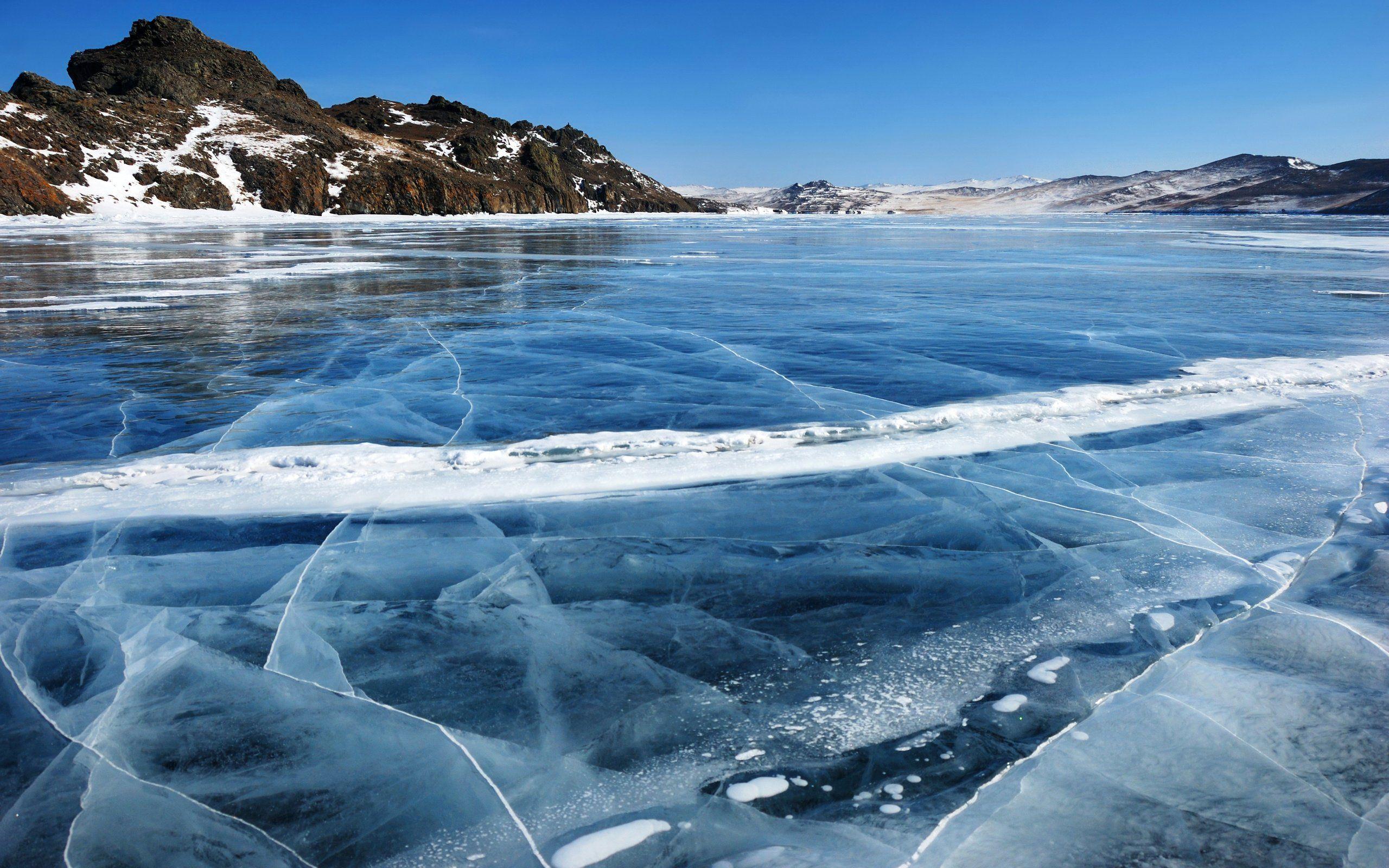 ВТверской области двое молодых людей провалились под лед
