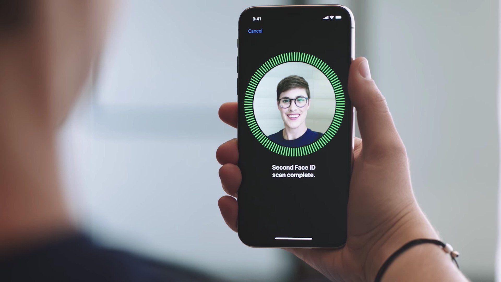 Работник Apple назвал аналоги технологии FaceID «омерзительными»