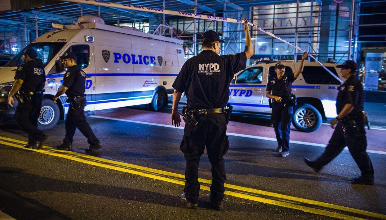 Подозреваемый ворганизации взрыва вНью-Йорке совершил атаку измести