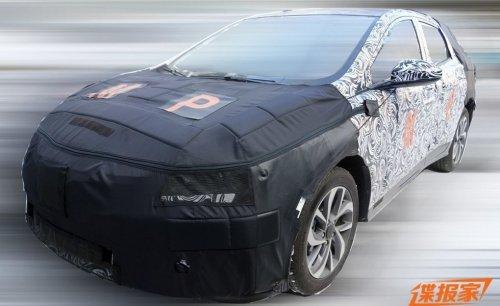 Chevrolet тестирует в Китае новый большой кроссовер