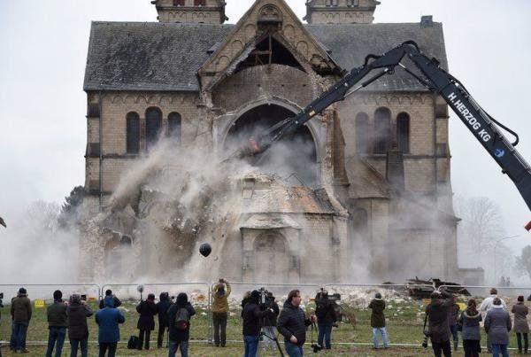ВГермании разрушили стародавний  храм  для добычи угля