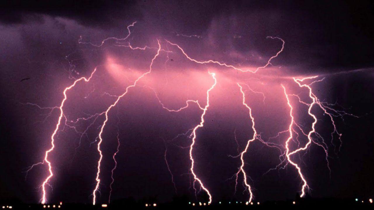 Наюго-востоке Турции отудара молнии пострадали поменьшей мере 12 школьников