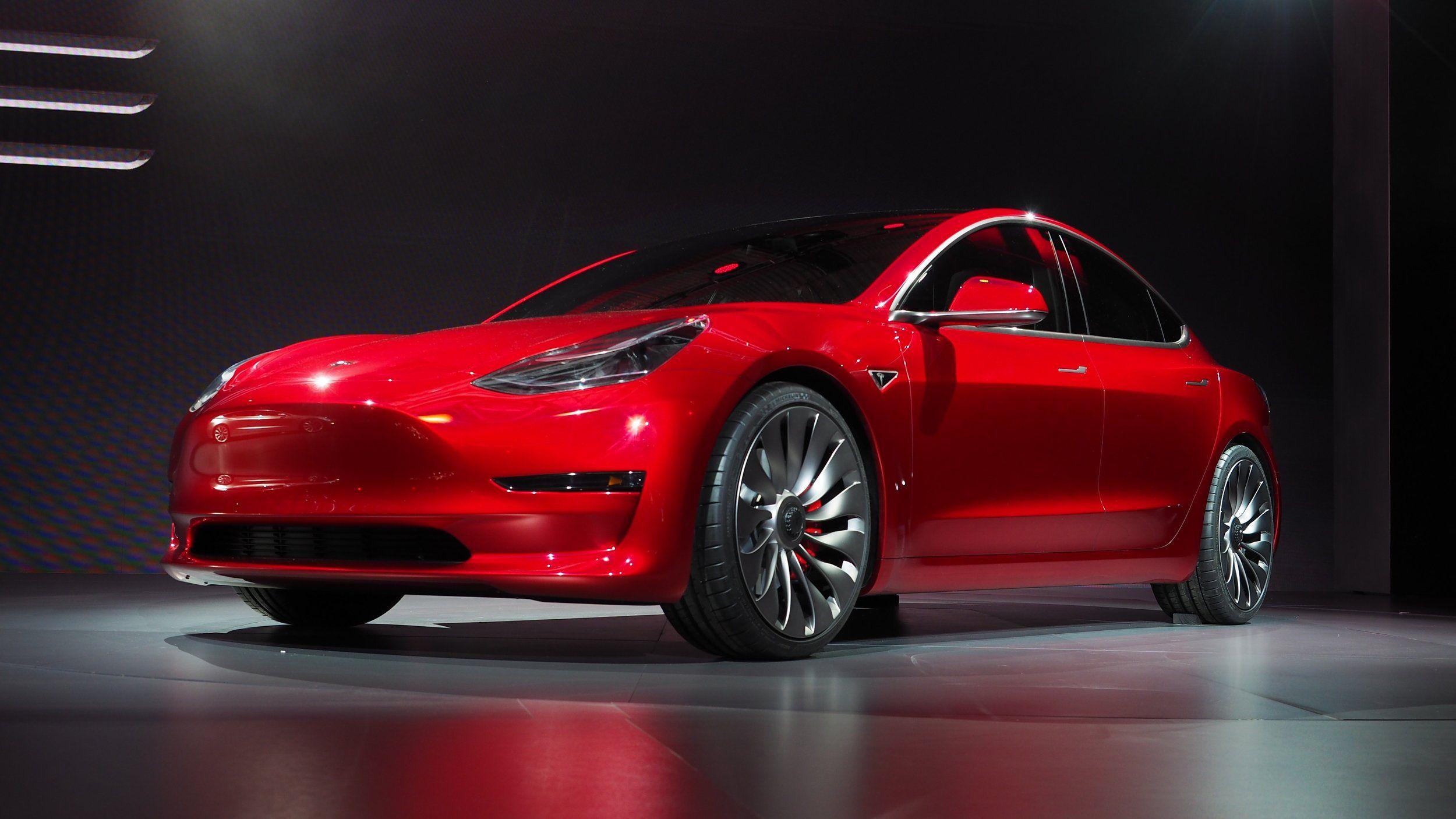 Илон Маск объявил ополной реорганизации Tesla