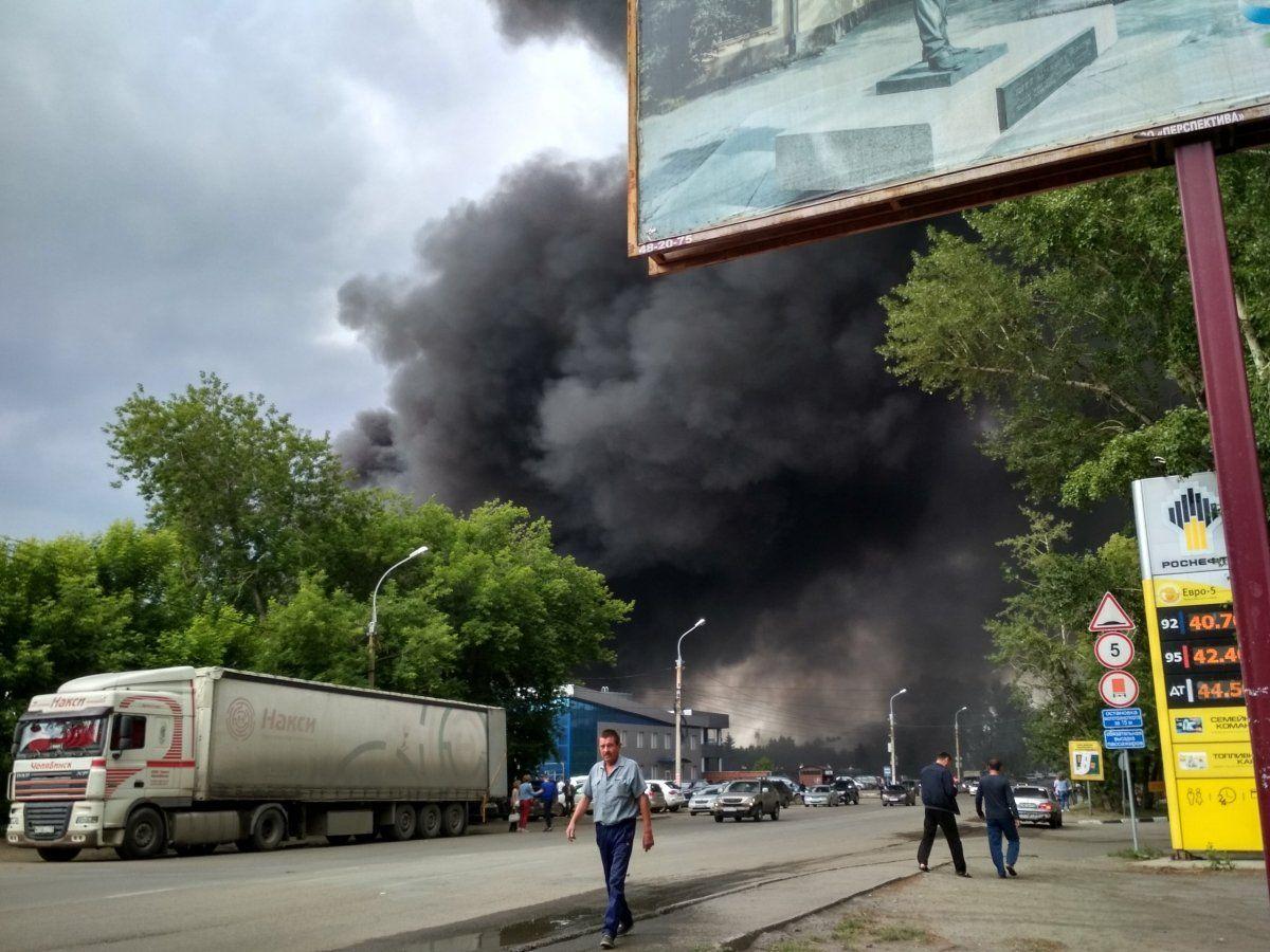 Пожар на Иркутском авиазаводе. Обрушение кровли одного из цехов