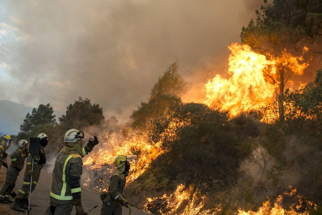 Из-за лесных пожаров вИспании экстренно эвакуировали 3 тысячи человек