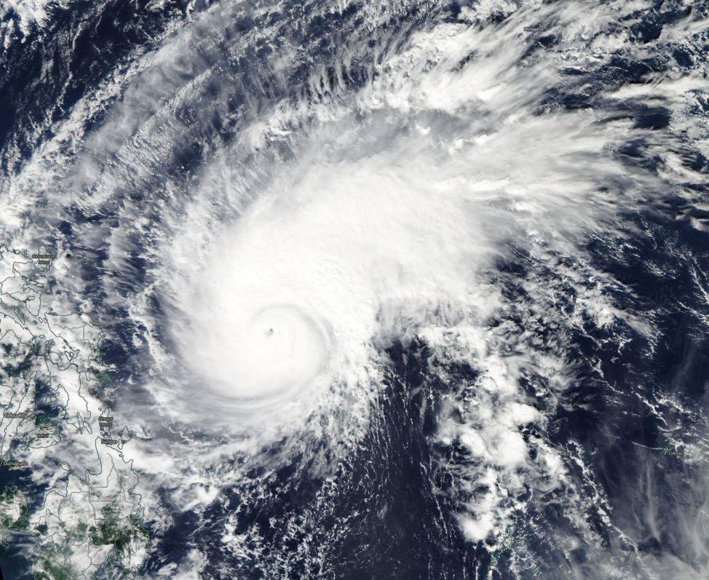 ВЯпонии рекомендовали эвакуацию 89 тыс. человек из-за тайфуна