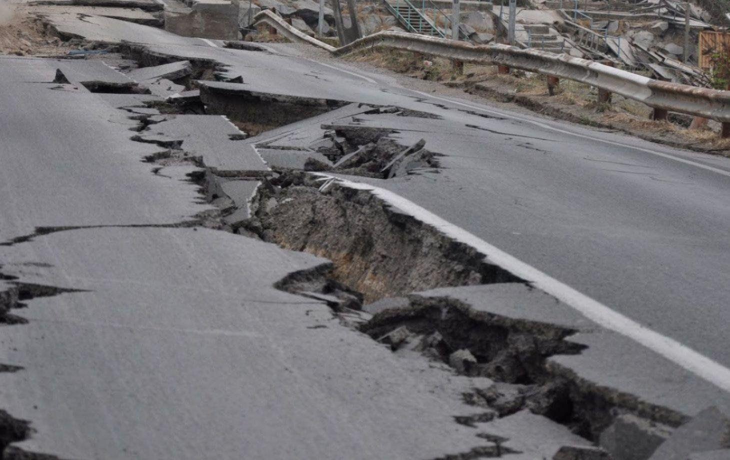 Землетрясение магнитудой 5,0 случилось наюго-западе Китая
