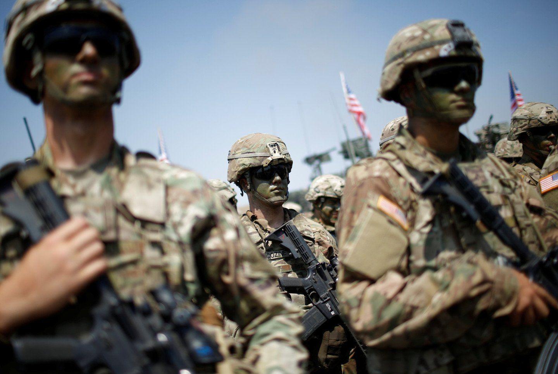 Военные награнице сМексикой будут вправе открыть огонь помигрантам— Трамп
