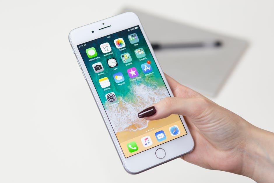 Apple пригрозила удалить следящие за пользователями приложения из App Store