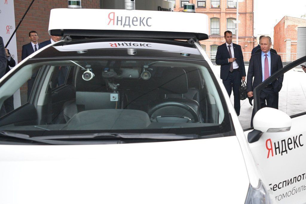 Русские такси-беспилотники смогут общаться спассажирами